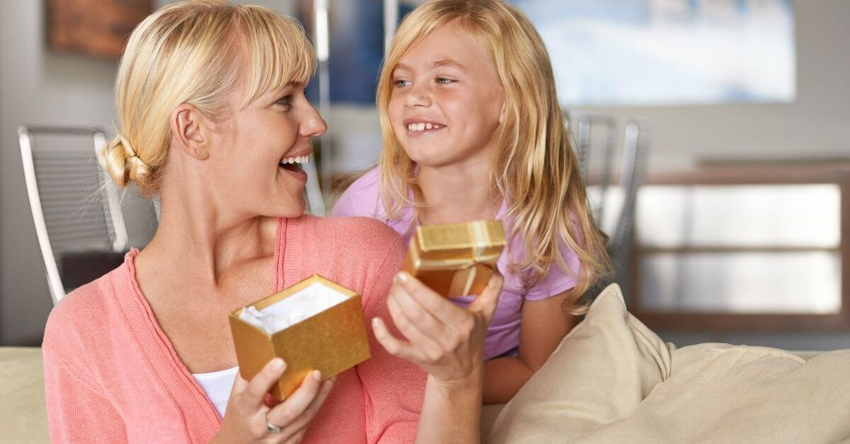 What to Give for Mom's Birthday
